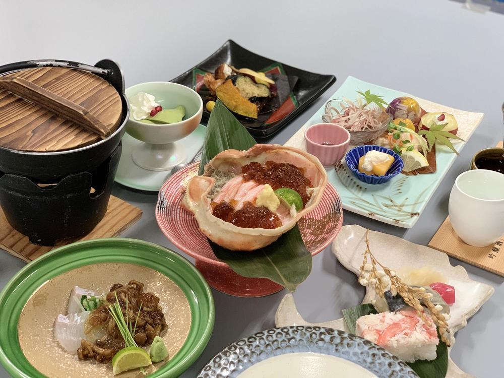 【宇奈月マリアージュ冬の章】鰤と蟹をふんだんに使用した、日本酒orワインのマリアージュ懐石