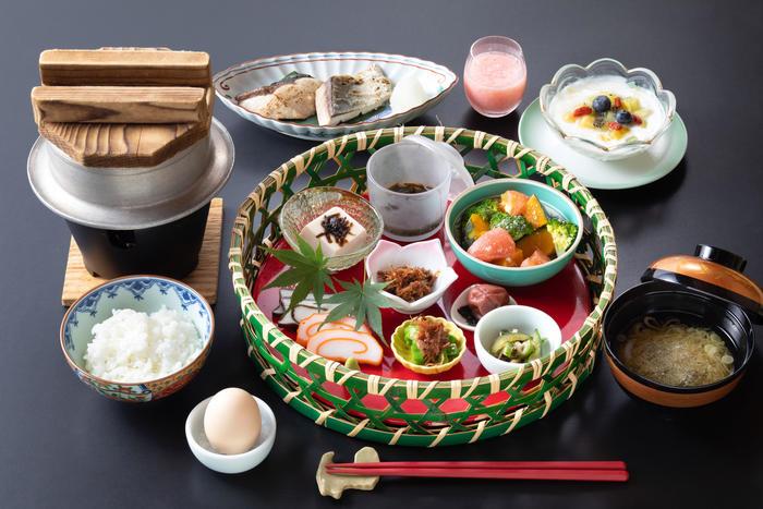 江戸料理人うすいはなこ先生監修のごはんが進む朝ごはんをご用意しております。